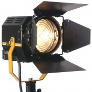 desisti_leonardo_1k_fresnel_light_hire